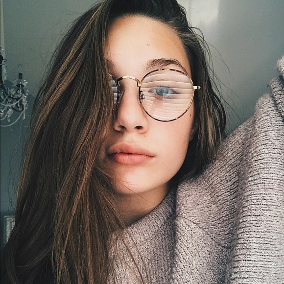 940c6bb6ee Trendy Urban Outfitters glasses